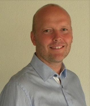 Dr. Poul Larssen